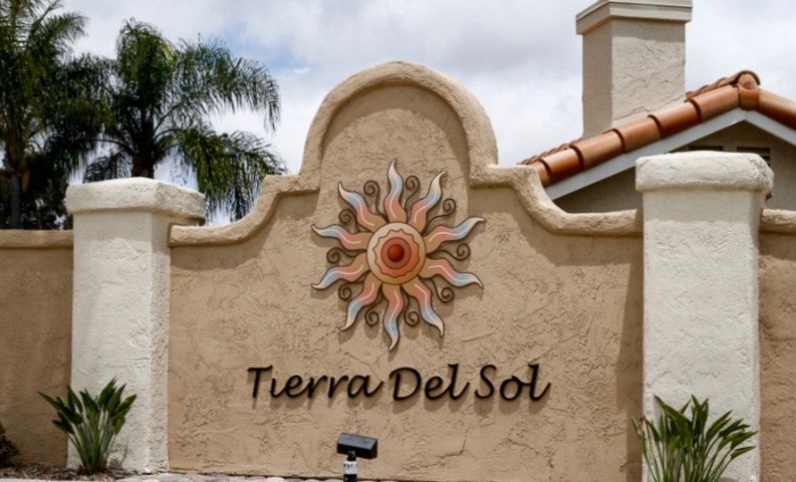 Tierra Del Sol Community Sign in Rancho Bernardo California