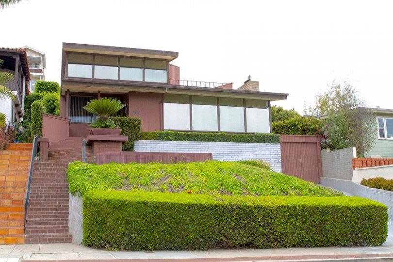 Stunning House with large windows in La Playa San Diego