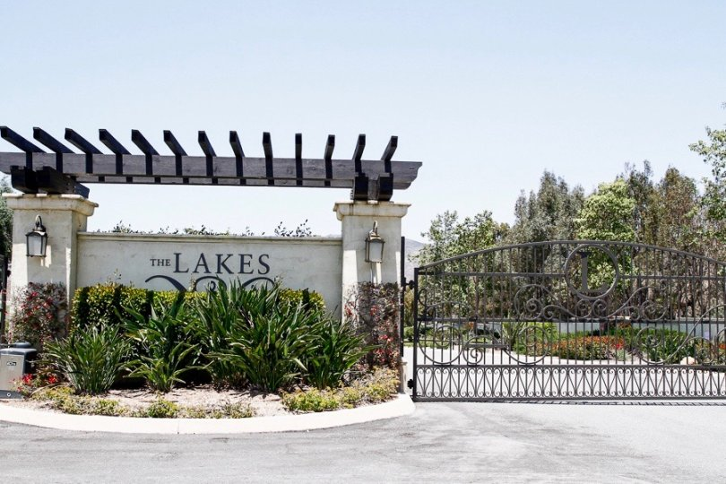 Community Entrance of The Lakes Neighborhood