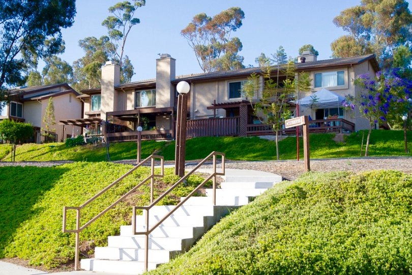 These gorgeous attached homes sit on a bluff in Timberlane San Diego