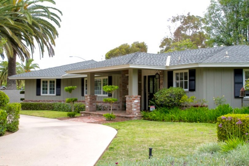 Beautiful single story house is located in Wooded Area Community in San Diego