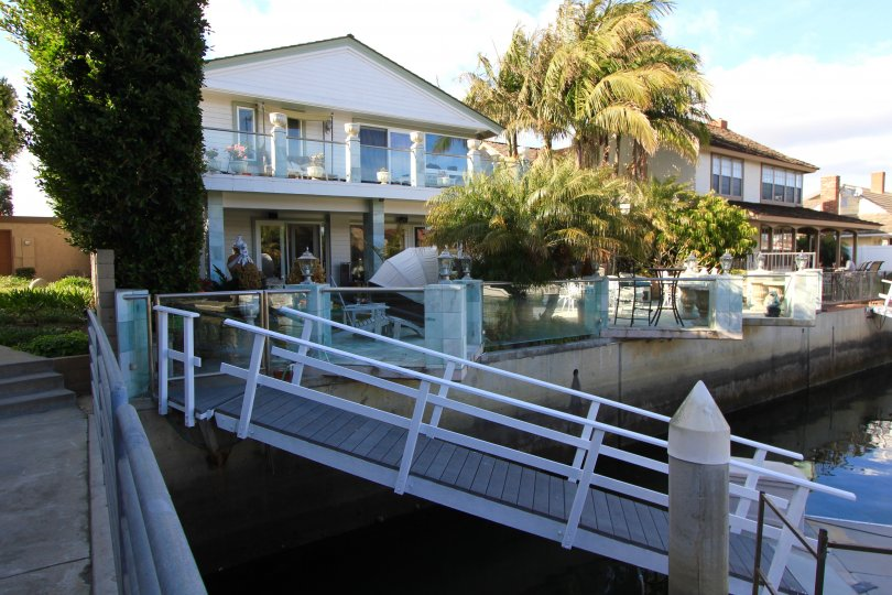 Some homes in Coral Cay offer private docks