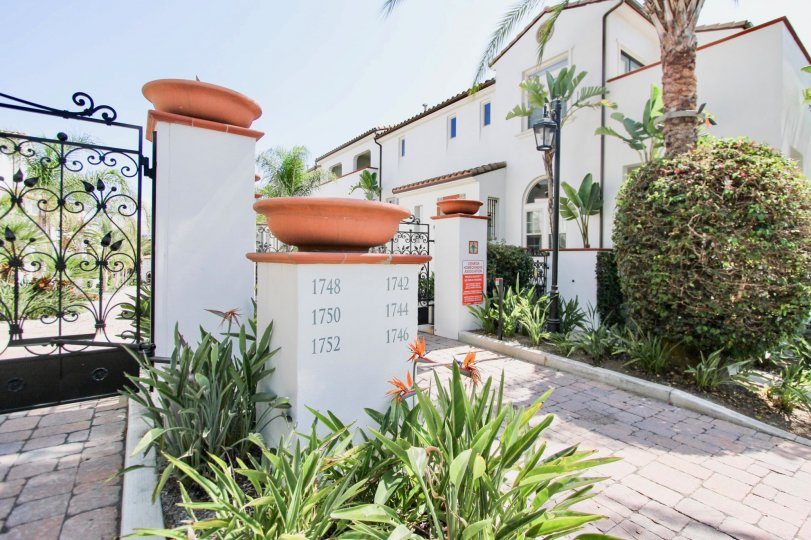 Stupendous Cienega Townhomes Long Beach Ca Home Interior And Landscaping Ferensignezvosmurscom
