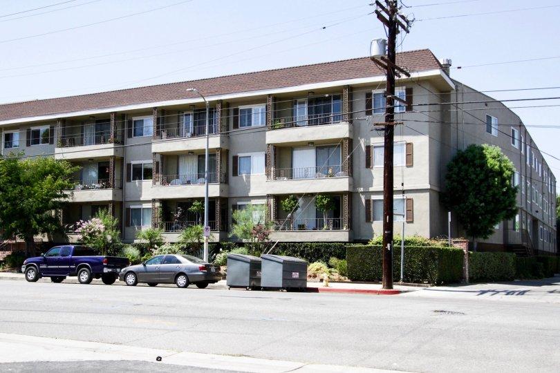 La Toluca Court North Hollywood