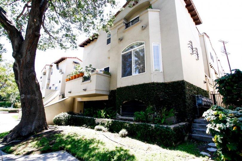 Villas at Colfax Studio City
