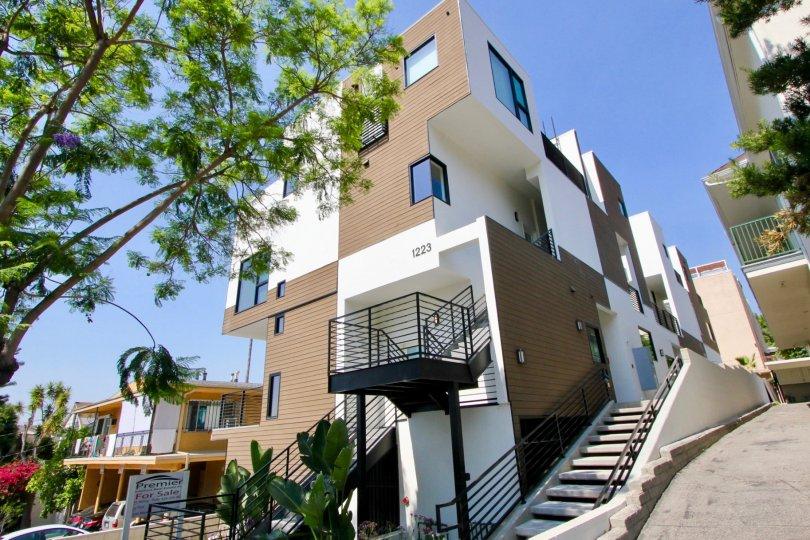 1223 Larrabee West Hollywood