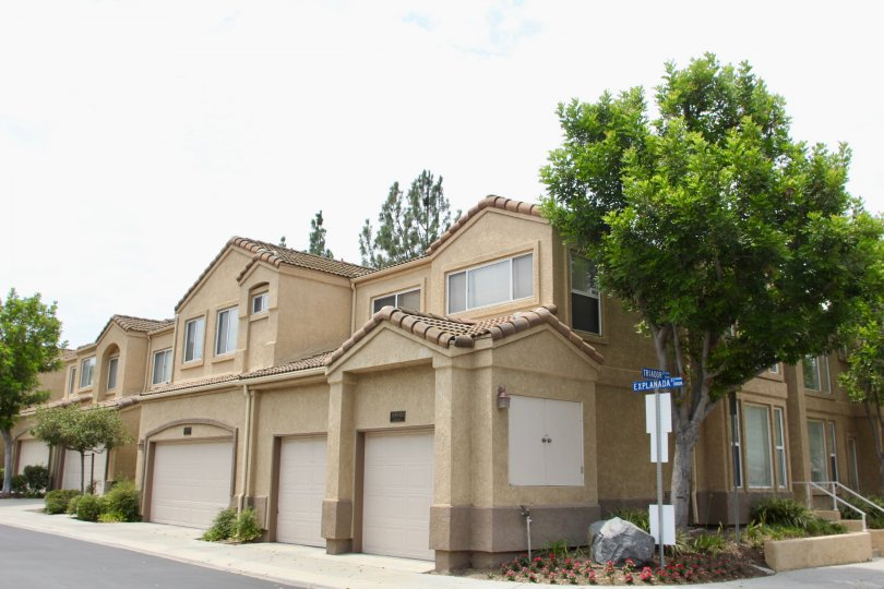 Altia corona California side view of two floor building reveal majestic look with shiny windows