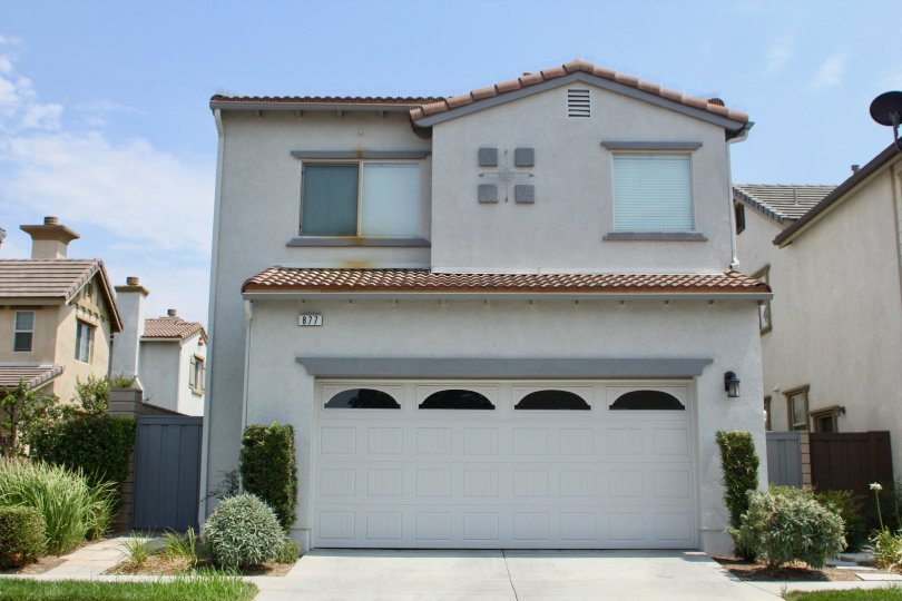 river road village homes corona california house garage driveway