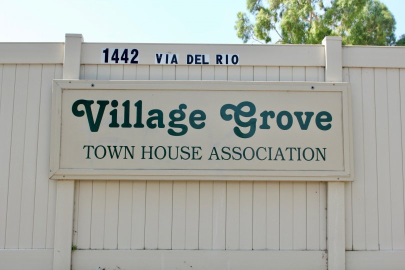 1442 Via Del Rio Village Grove Townhouse Sign Wall