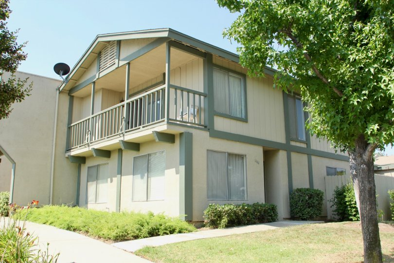 Village Grove Townhomes's modern and cute apartment, Corona, California