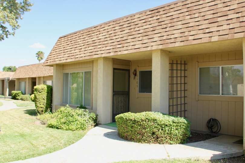 A close look at the apartment style of Sunrise Village Community, hemet, California