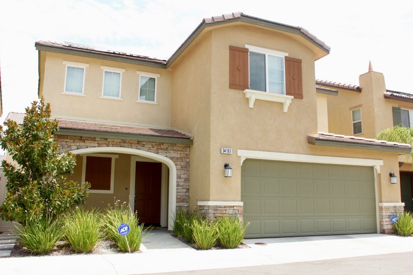 COTTONWOOD CANYON HILLS IS IN THE CITY OF LAKE ELSINORE AND IN THE STATE OF CALIFORNIA