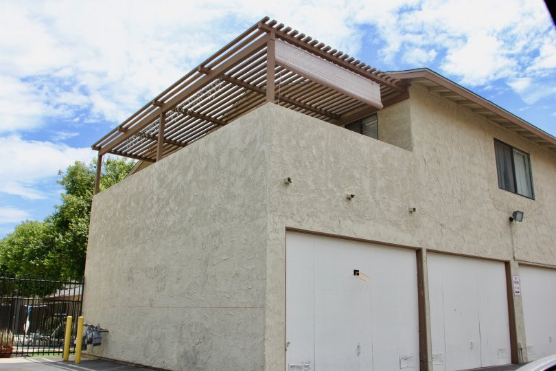 A large house with modern facilities inside in lake West lake elsinore california