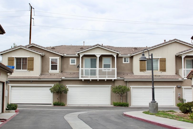 Awesome and well built apartments and clean neighborhood around Aspen Hills, Moreno Valley, California