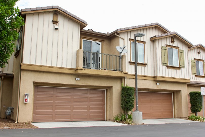 These side by side homes are located in Moreno valley California, in the Iris Landing. The feature a garage also.