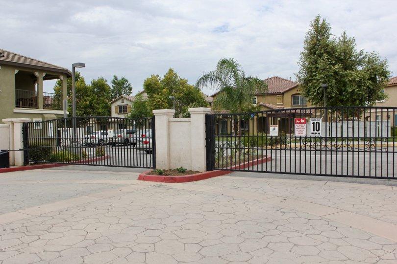 Awesome view of the gated community of Palacio De Oro North, Monero Valley, California