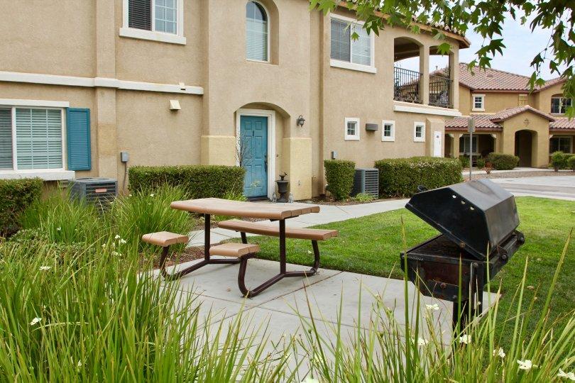 Outside grill and table at Palacio De Oro North in Moreno Valley, California