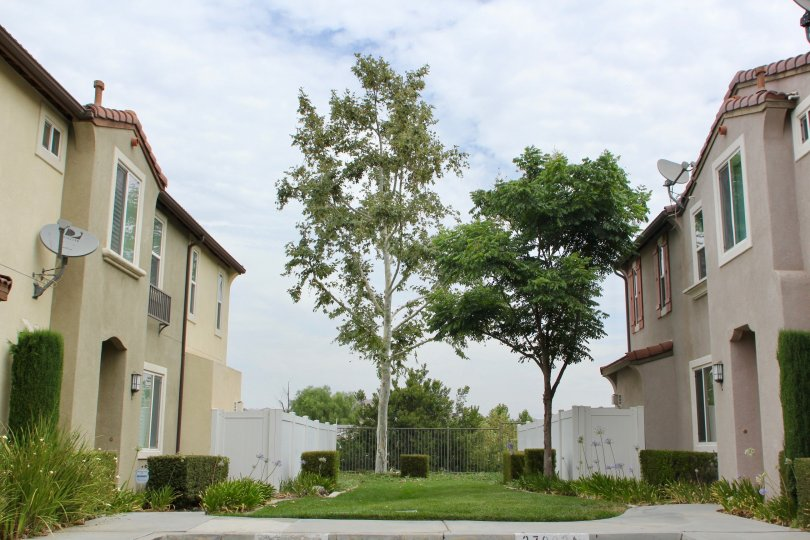 center shot of courtyard of Promontory Pointe, Moreno Valley, California