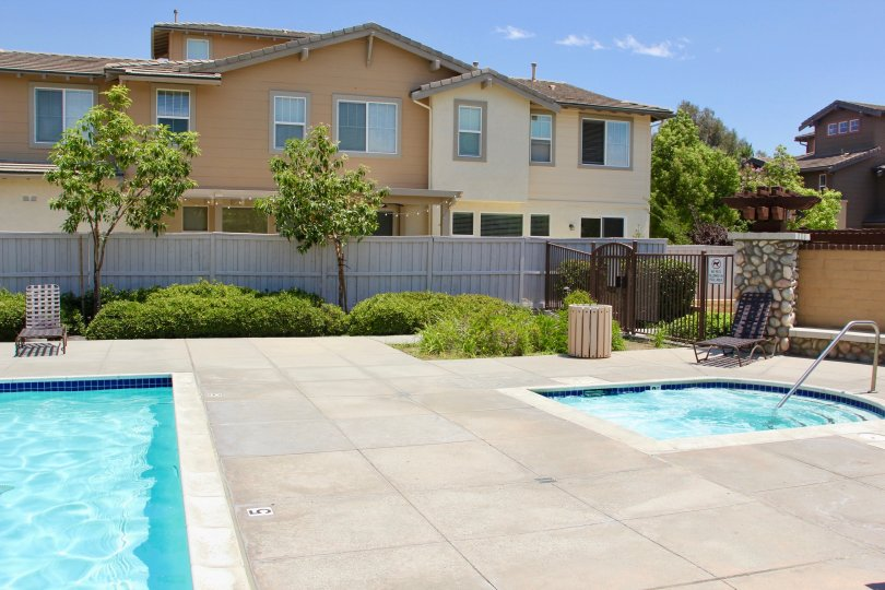 A sunny day poolside in Amberwalk at Ivy in Murrieta