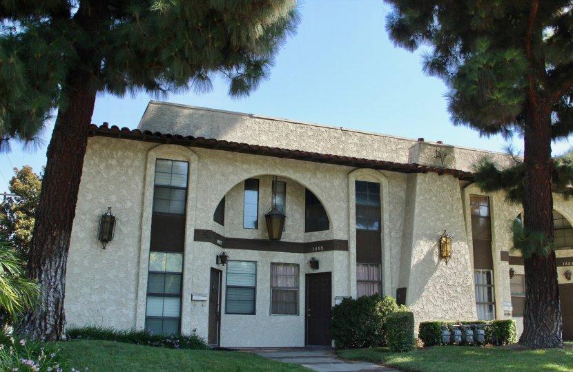 clear blue sky and greenery amidst urban architecture, Buena Vida, riverside, California