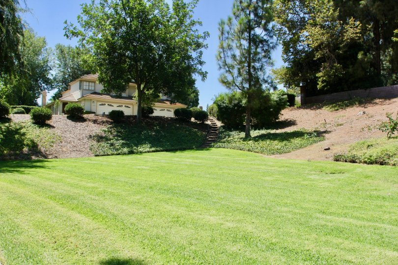 A farmable house with greenaries in Crawford country riverside California