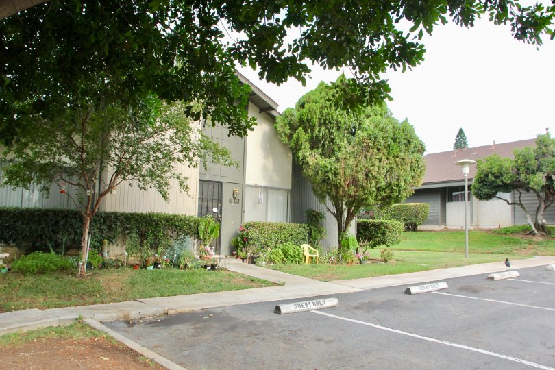 Well tarted rooad of Jurupa Hills Country Club and her awesome bungalows. riverside, California