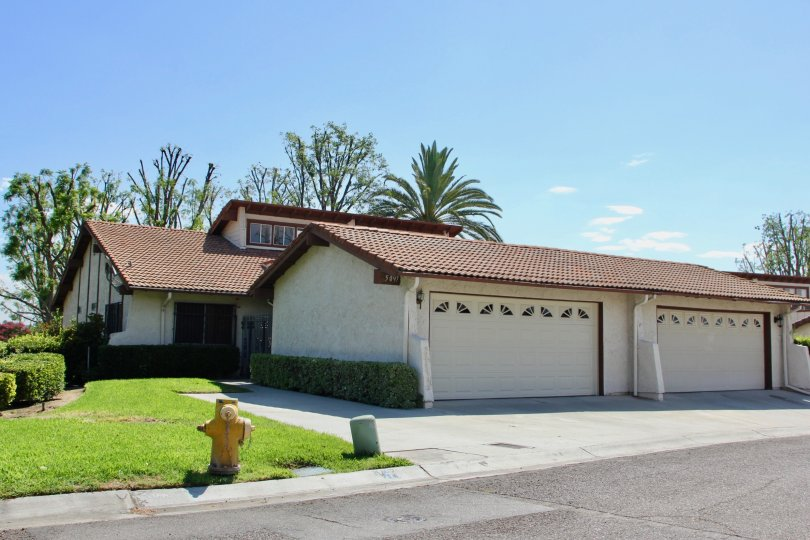 A nice day at a house in the Orangewood Villa Community.