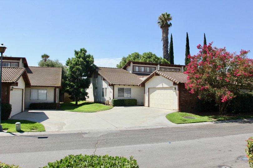 Amazing bugalows and sweet greenery of Orangewood Villas Community, Riverside, California