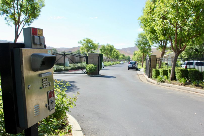 Gate way to the amazingly green Savannah community, riverside, California