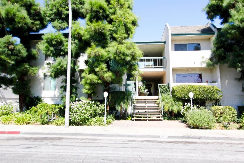 The view of 330 N Chapel Ave in Alhambra California