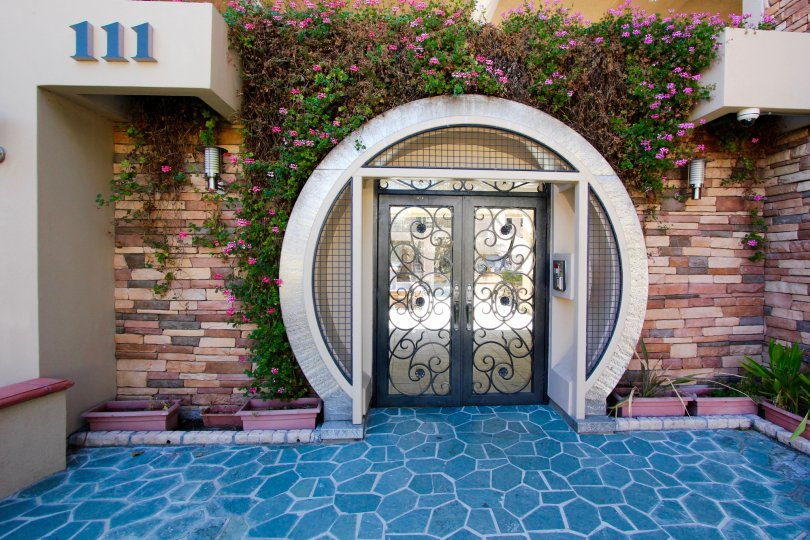The entrance into Cascade Residence in Alhambra California