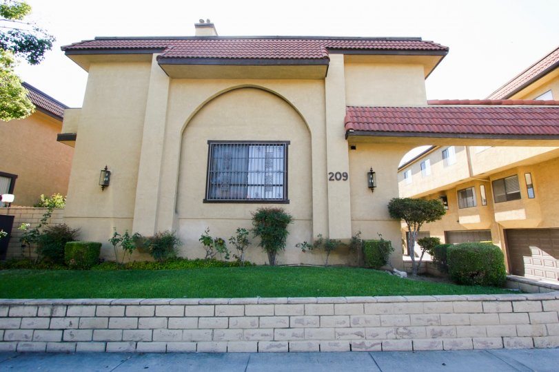 The La France Townhomes building in Alhambra California