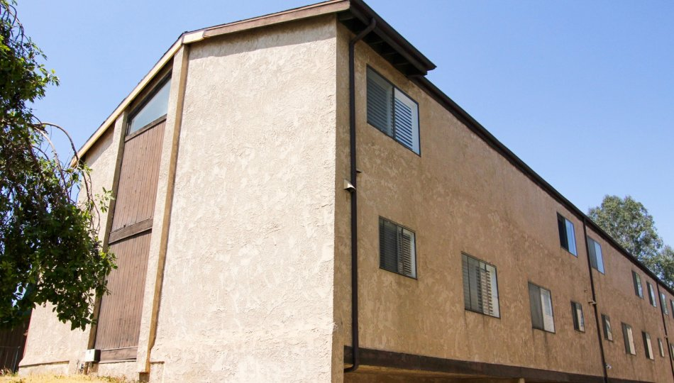 The Palmetto Townhomes building in Alhambra California