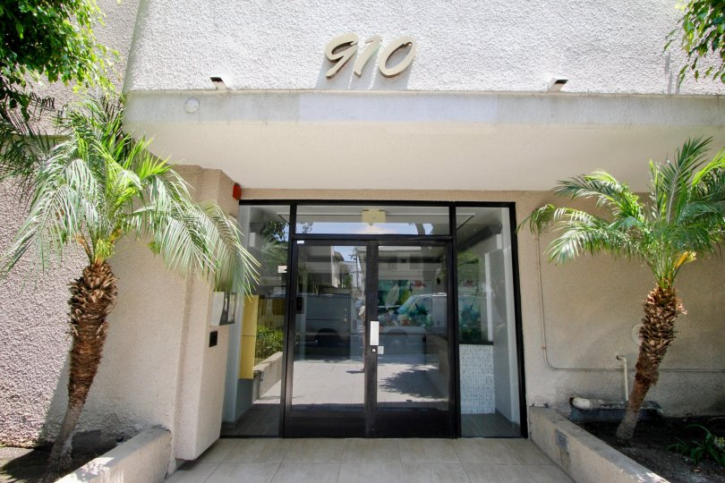 New Bedford apartment in the city of beverly center, CA