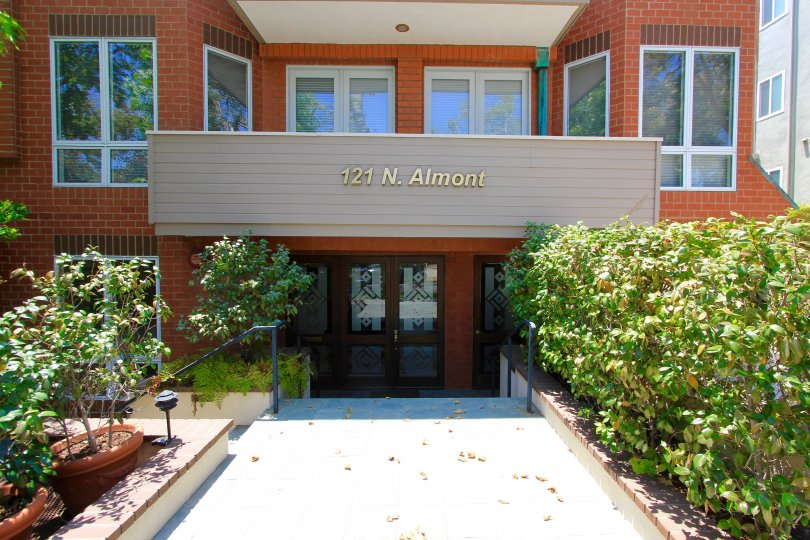 The entrance into Almont Plaza