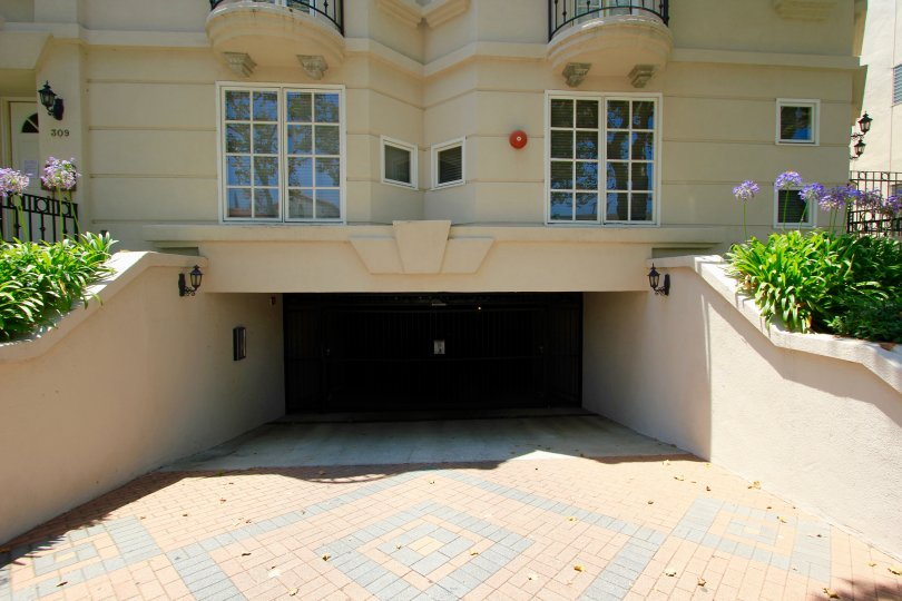 The parking in the Almont Townhomes in Beverly Hills