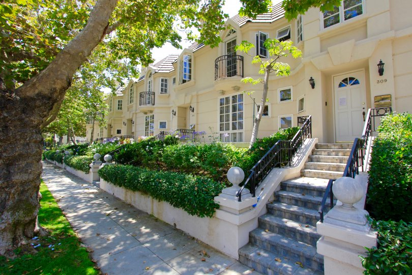 The entrance into the Almont Townhomes in Beverly Hills