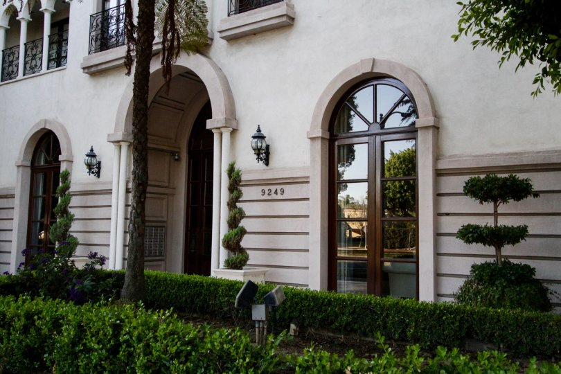 The arched windows seen on Le Faubourg St Germain in Beverly Hills