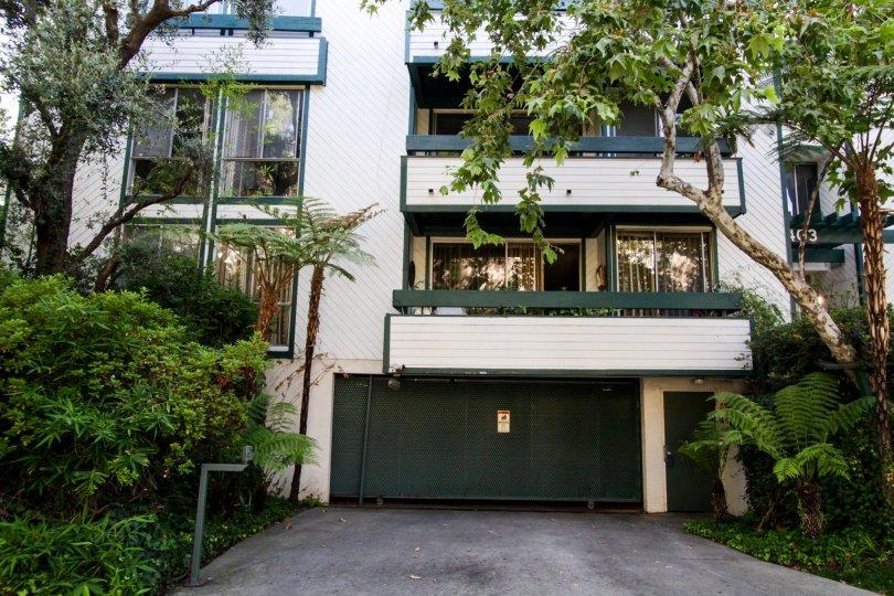 The parking for Villa Oakhurst in Beverly Hills