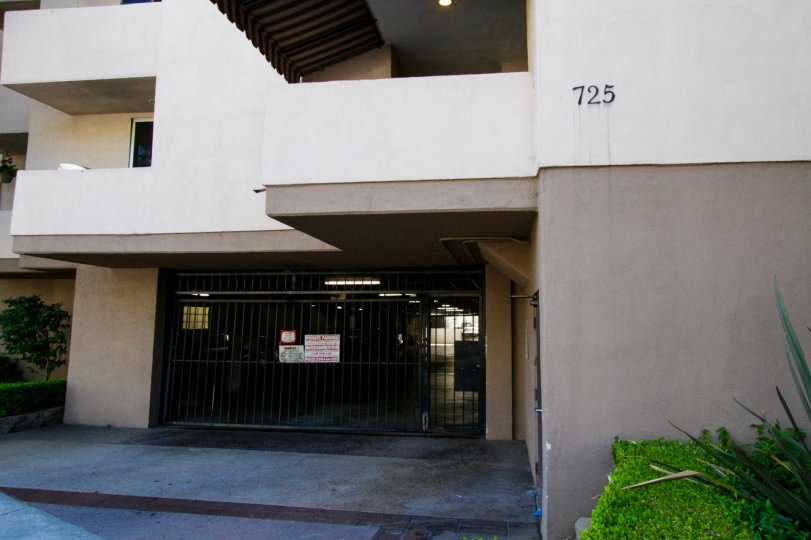 725 S Barrington offers a gated garage for its residents