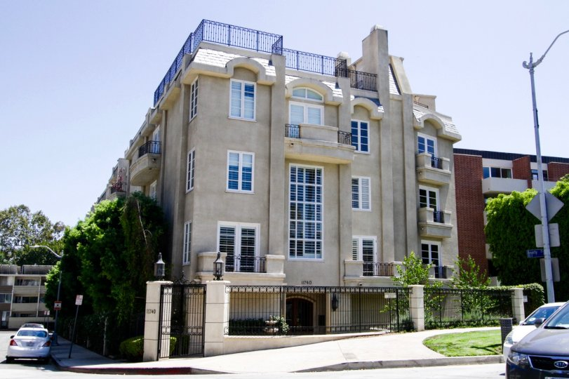 Condos at Beverly Court in Brentwood
