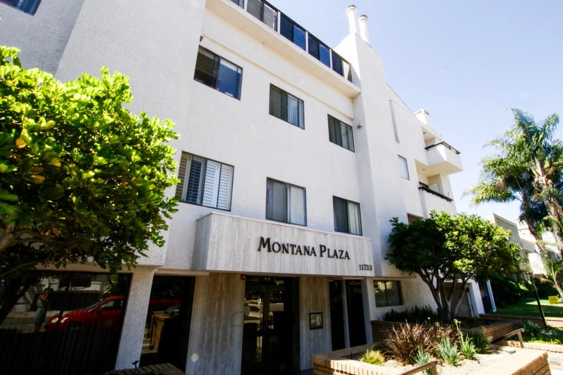 Montana Plaza Condo building in Brentwood