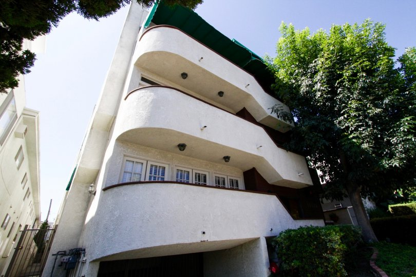 Star condo building in Brentwood