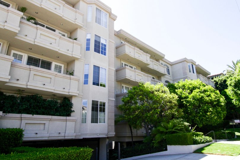 The Excelsior is a beautiful condo building located in the city of Brentwood