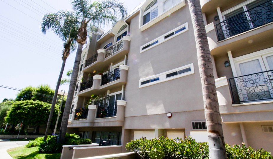 Villa Cezanne is a beautiful condo building in Brentwood