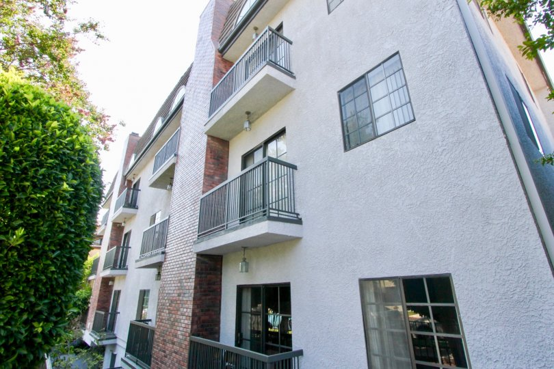 A sunny day at the beautiful Brentwood Royale Apartments.