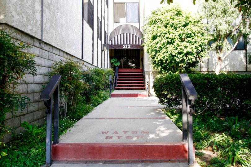 The entryway up to 212 N Valley St in Burbank California