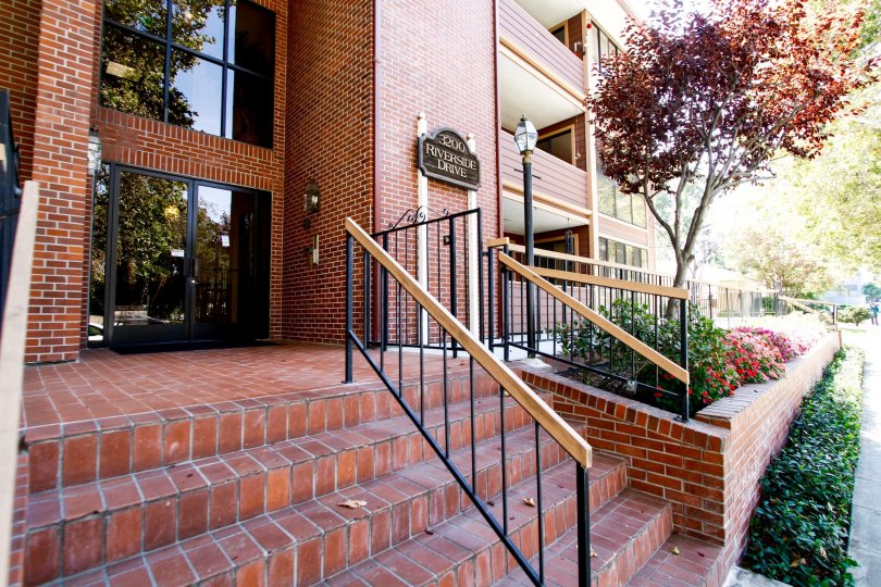 The stairs leading to the entrance of 3200 W Riverside Dr