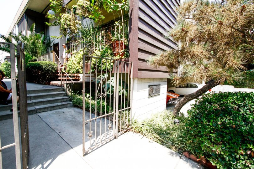 The entryway up to 619 E Olive Ave in Burbank California