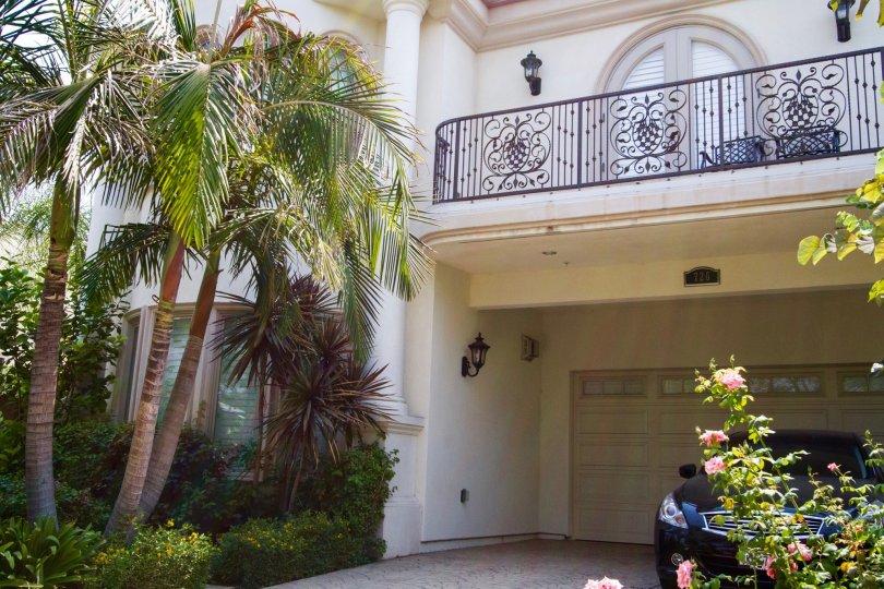 The balcony at 726 E Santa Anita Ave in Burbank California